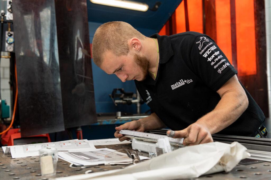 Mehr über den Beruf Metallbauer erfahren